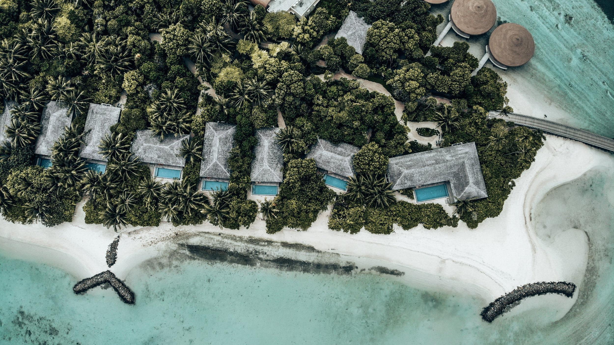 Beach Pool Villen auf The Residence Maldives Dhigurah